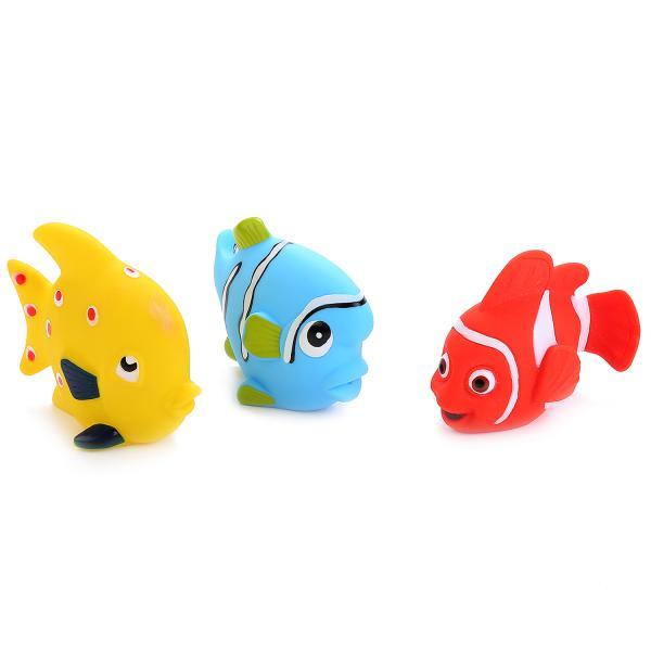 Фото Три рыбки перед девушкой   600x600